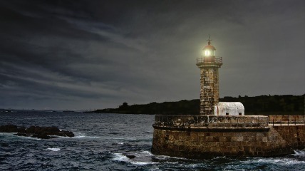 lighthouse-2028507_960_720