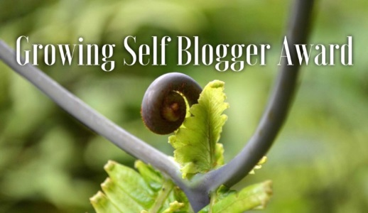 award-growing-self-blogger-518x300